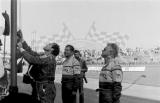 03. Flaga narodowa na maszt: Marian Bublewicz,Błażej Krupa i Pio