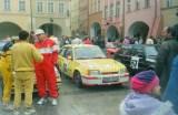 06. Nr.56. J.Zeeman i K.V.Zeeman - Opel Kadett GSi. Stoją od lew