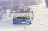 6. Cała droga pokryta była grubym śniegiem.