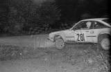 17. Grzegorz Niśkiewicz i Krzysztof Płachciński - Opel Manta E.