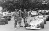 001. Bogdan Pawlak (w środku) z mechanikiem (od lewej) i J.Biliń