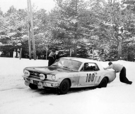 Raphael Geminiani i Jacques Anquetil – Ford Mustang.