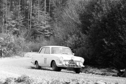 H.Tunner i H.Hick – Ford Cortina GT.