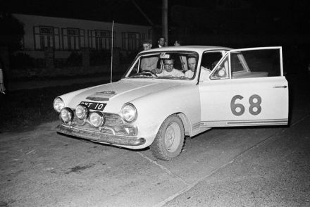 Denis Thorne / ? – Ford Cortina GT.