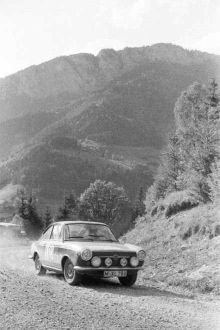 Fiat 850 coupe.