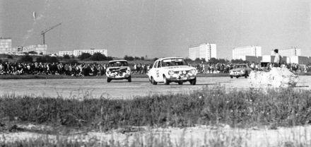 Margaret Lowrey i Patricia Wright - Ford Escort TC.