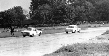Margaret Lowrey i Patrica Wright – Ford Escort Twin Cam, Nicolas Ward i Brian Langley - Ford Escort TC.