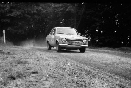 Hans Britth i Hans Andersson – Ford Escort RS 2000.